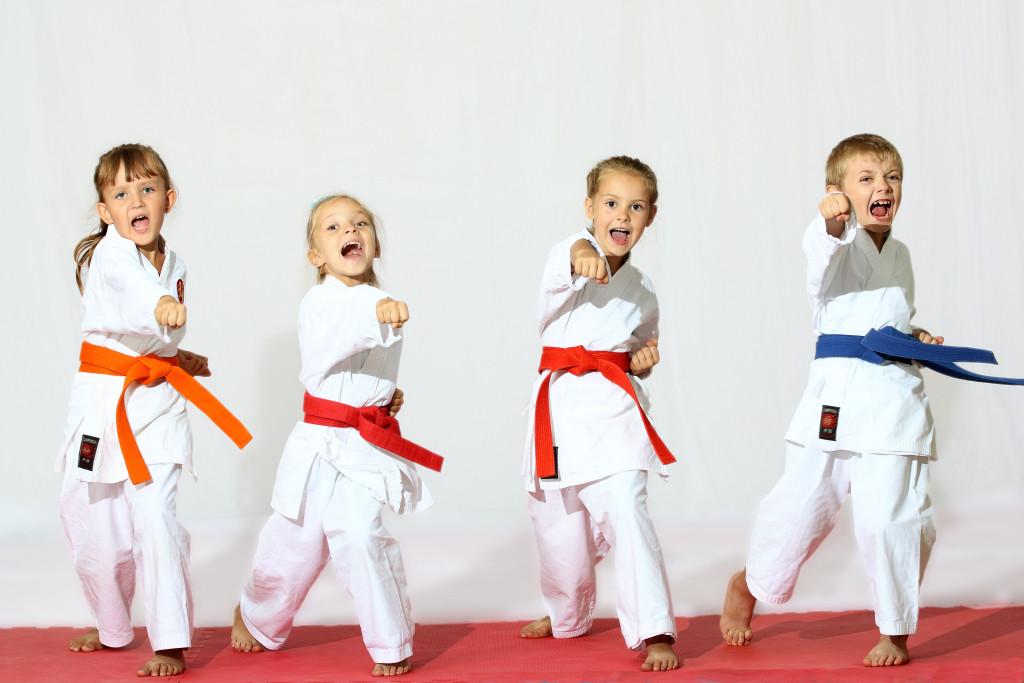 kids doing martial arts