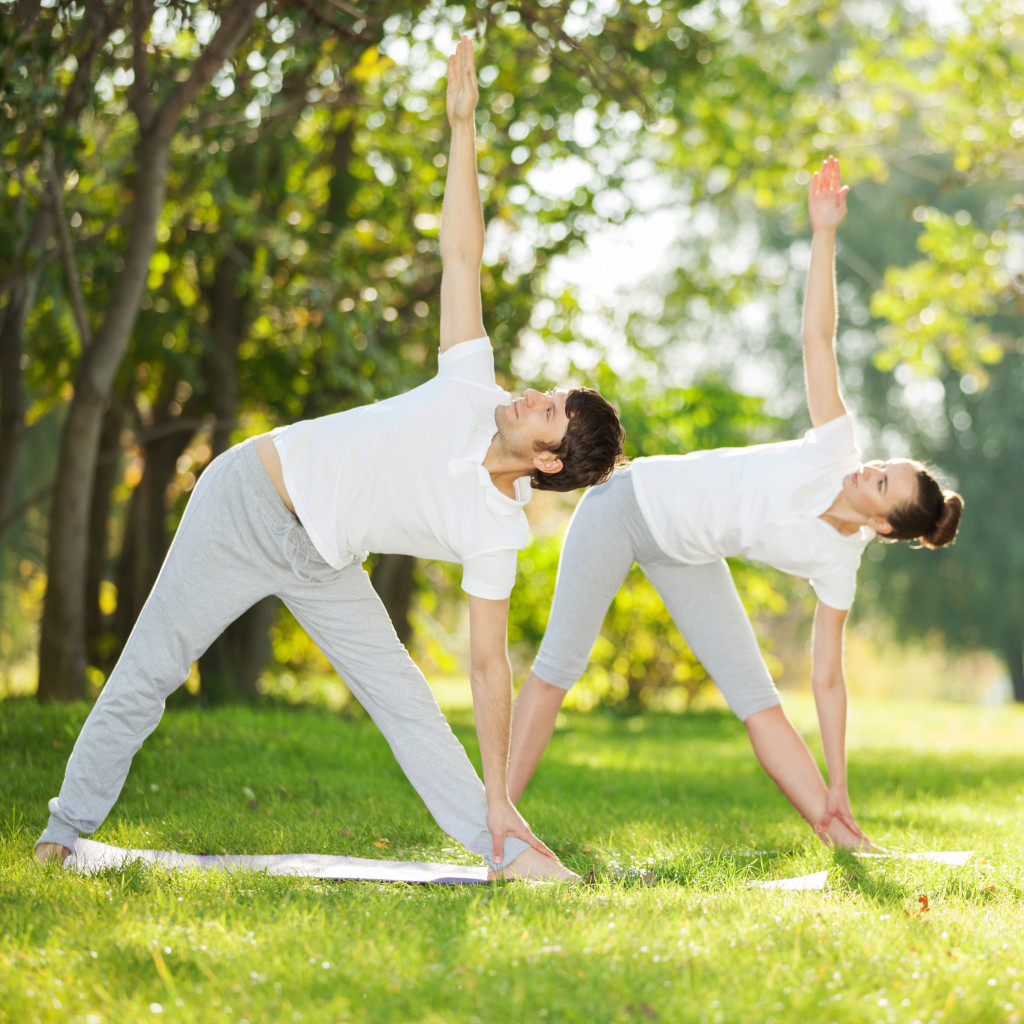 couple doing doing exercise together